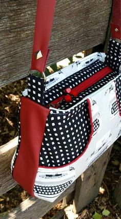 528 × 960 pixels … – Handbags – Purses And Handbags Diy Diy Bags Purses, Fabric Purses, Handmade Purses, Handmade Handbags, Handmade Fabric Bags, Handbag Patterns, Bag Patterns To Sew, Patchwork Bags, Quilted Bag