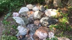 A beautiful smaller in enjoy a personal water oasis in your too with de jardines Diy Water Feature, Backyard Water Feature, Small Backyard Patio, Ponds Backyard, Garden Ponds, Garden Oasis, Landscaping With Rocks, Front Yard Landscaping, Dry Riverbed Landscaping