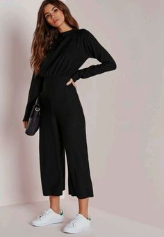 We are obsessing over this chic black ribbed jumpsuit right now here at Missguid. - We are obsessing over this chic black ribbed jumpsuit right now here at Missguided, and who can blame us? This black beauty is the perfect addition to your wardrobe and Fashion Mode, Moda Fashion, Fashion Outfits, Culotte Style, Printemps Street Style, Looks Style, My Style, Casual Outfits, Cute Outfits