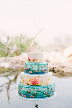 Monet-inspired cake from Michelle's Patisseries  - michellespatisserie.com. Photography: Mint Photography - mymintphotography.com  Read More: http://www.stylemepretty.com/southwest-weddings/2014/04/21/monet-inspired-photo-shoot/