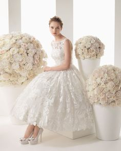Vestidos de Novia Cortos 2014: Two by Rosa Clará. Modelo Malta #vestidos #novias #tendencias