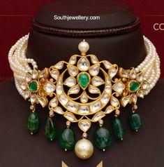 Pearl Choker With Polki Pendant photo Indian Wedding Jewelry, Indian Jewelry, Mughal Jewelry, Indian Jewellery Design, Jewelry Design, Designer Jewelry, Rajputi Jewellery, Swarovski, Necklace Designs