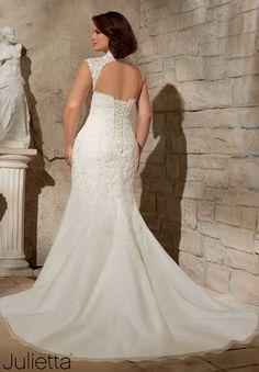 3175 Wedding Gowns / Dresses Venice Lace Appliques on Soft Net