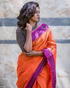 Check out colorful cotton sarees! Indian Beauty Saree, Indian Sarees, Saree Blouse Designs, Sari Blouse, Blouse Styles, Beautiful Girl Indian, Beautiful Saree, Saree Photoshoot, Saree Models