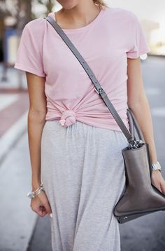 All you need this spring is a dusty pink basic tee and 4 different ways to wear it! Get inspired by @hellofashblog's looks here: http://www.hellofashionblog.com/2014/09/a-basic-tee-4-ways-from-flats-to-heels.html