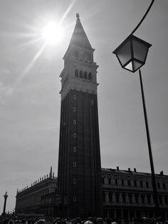 #piazasanmarco #markusplatz #saintmarco #venedig #venezia #venice #photographies #photographic #urbanjungle #urbalphotography #italy #vacation #lignano #urlaub #travel #travelblogger #travelphotography #travelholic #livingmylife #youonlyliveonce #lovetoseetheworld Italy Vacation, Venice, Travel Photography, Journey, Photo And Video, Building, Pictures, Instagram, Italia