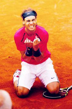 Go Rafa! Rafael Nadal makes history with 7 wins at Roland Garros, 11 June 2012 Rafael Nadal, Federer Nadal, Nadal Tennis, Pro Tennis, Tennis Stars, Tennis Players, Role Models, Beautiful Men, Frases