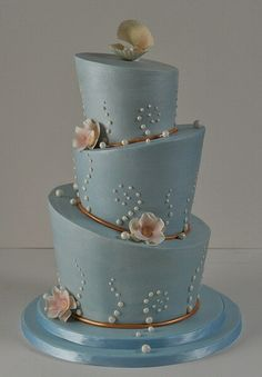 Blue Topsy cake by Janell's Cakes, via Flickr.