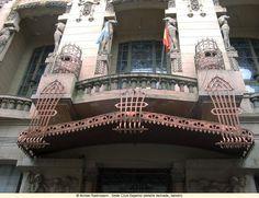 Sede Club Espanol (detalle fachada, balcon)_l.jpg (800×614)