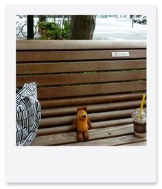 Die Maus has rested on the bench. : 旅するマウス
