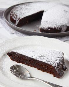 Food Cakes, Yummy Treats, Tiramisu, Tart, Cake Recipes, Favorite Recipes, Sweets, Snacks, Cookies
