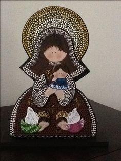 Virgen del Carmen Mandala Painting, Dot Painting, Mandala Dots, Mandala Design, Tiffany Art, Arte Country, Paper Bead Jewelry, Blessed Mother Mary, Mary And Jesus