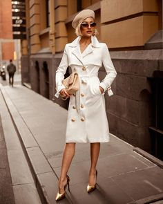 ge of micah gianneli wearing coat - Elegant Fall Outfits To Inspire You Paris Chic, Classy Outfits, Chic Outfits, Fall Outfits, Fashion Outfits, Fashion Trends, White Fashion, Love Fashion, Autumn Fashion