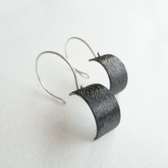 http://janepellicciotto.com/wp-content/uploads/2015/08/black-sail-earrings.jpg