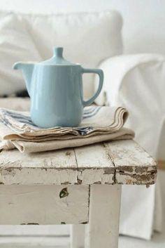 Pichet céramique bleu pastel