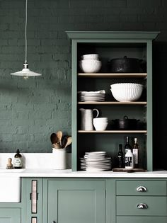 Kitchen Remodeling Trends New Kitchen Open Shelving Remodeling Trend Sage Kitchen, Green Kitchen, New Kitchen, Kitchen Rustic, Awesome Kitchen, Kitchen Colors, Country Kitchen, Style Shaker, Shaker Style Kitchens