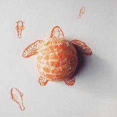 Ilustraciones con objetos  Kristian Mensa es un ilustrador de la República Checa. En su última colección de ilustraciones se mezcla el humor, trazos de lápiz o trazos de pincel con objetos cotidianos y los productos alimenticios que se transforman de su función inicial  y pasan a ser parte del dibujo.