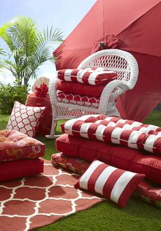Bold patterns and bright outdoor cushions and pillows can transform an existing outdoor dining set. #Pier1outdoors #sponsored
