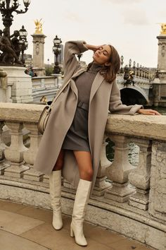 chic winter outfits What to wear this winter? Look chic and stylish in this french women style… # Winter Outfits For Teen Girls, Chic Winter Outfits, Classy Outfits, Chic Outfits, Fall Outfits, Casual Winter, Paris Outfits, Black Outfits, Simple Outfits