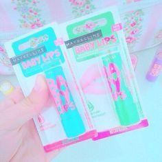 Приветик всем!  Какова была моя радость, когда я нашла два новых вкуса Babylips!  сочный арбузик  и персиковый всплеск ☄ Обожаю их за милый дизайн и крутое качество  А какой ваш любимый бальзам для губ?  у меня ещё EOS и Nivea