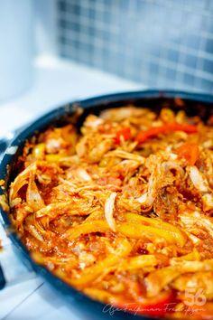 Grymt god Fajitasgratäng - 56kilo.se - Recept, inspiration och livets goda Enchiladas, Lchf, Macaroni And Cheese, Chili, Nom Nom, Tacos, Food And Drink, Soup, Ethnic Recipes
