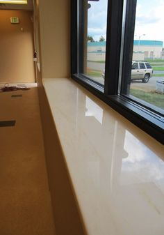 Marble window sills are the first choice for indoor use. www.arbeitsplatte … by maricagelo Marble Window Sill, Window Jamb, Home Projects, House Plans, Modern, Ramen, Room Decor, Indoor, House Design