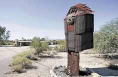 Tucson Oddity: what are these yard sentries? Check them out: http://azstarnet.com/news/local/tucson-oddity-sculptor-s-creations-look-like-protectors/article_6b95b91f-2725-5339-bbdd-05c0e21a9b2b.html