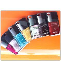 Hey. Você aí. Toda charmosa e ainda não tem as cases Chanel? Não acredito.   Acho melhor você se apressar, hein. Se não, daqui a pouco, vai ter gente mais charmosa que você.    Corre lá na nossa loja online, aposto que você vai adorar http://loja.ihelpu.com.br/  #casesiphone #cover_iphone #coveriphone #chanel #esmalte #iphone5 #iphone4 #ihelpupoa
