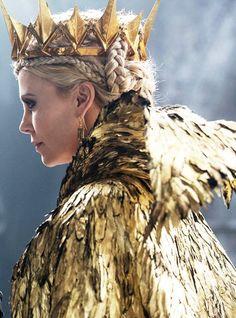 Huntsman Winter's War Raveena all gold everything Halloween