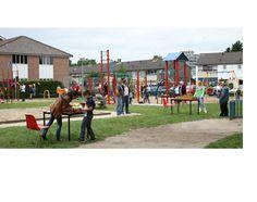 een speeltuintje in de wijk waar kinderen veilig kunnen spelen. Sander Kok