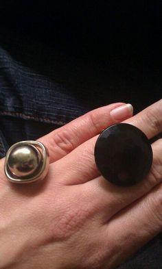 Ringen gemaakt van oude knopen