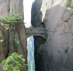 The Bridge of Immortals, China | http://www.thebeautyoftravel.com/do-you-have-the-courage-to-walk-across-the-bridge-of-the-immortals/