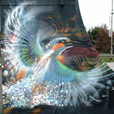 Probably the most impressive Street-Art-Bird I've seen yet.