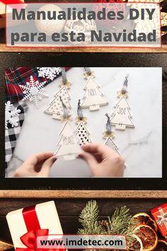 Una de las tradiciones más bonitas y divertidas, sobre todo de los niños, es decorar nuestros hogares con adornos navideños. El árbol, guirnaldas, luces, velas, nieve artificial… todo nos asegura unas fiestas llenas de espíritu navideño, pues son fechas de felicidad, de unión familiar, de recuentro con los seres más queridos, brindar con copas de cava, crear nuevas ilusiones y nuevos objetivos para un comienzo de año nuevo. #navidad #fiestas #fiestanavidad #christmas #añonuevo #luces #velas Reno, Drop Earrings, Christmas, Artificial Snow, Holiday Parties, Diy Decorating, Hearths, Natal, Xmas