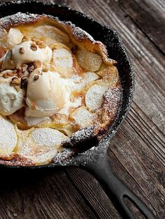 Caramel Apple Dutch Baby - Delicious and easy, this Caramel Apple Dutch Baby is a great dessert, with ice cream or skip the ice cream and enjoy it for brunch. Apple Recipes, Sweet Recipes, Yummy Recipes, Dessert Recipes, Amish Recipes, Dutch Recipes, Drink Recipes, Slow Cooker Desserts, Just Desserts