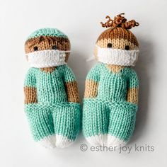 Nurse Mates Ravelry: Nurse Mates pattern by Esther Braithwaite - Life Knitted Dolls Free, Knitted Doll Patterns, Knitting Patterns Free, Free Pattern, Knitted Nurse Doll Pattern, Knitted Baby, Crochet Pattern, Knitting For Charity, Easy Knitting