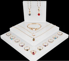 SWAROVSKI Jewelry Window Display from Winnerpak
