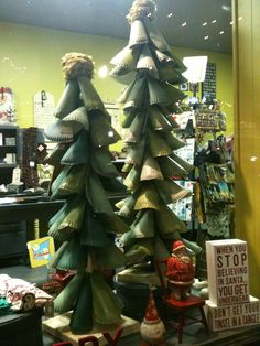 DIY whimsical Christmas trees made out of spray painted paper plates!! Cute!