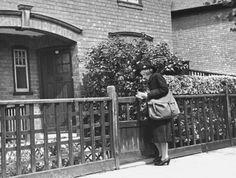 British Women In Wartime British women during WWII Location:United Kingdom Date taken:1939 Photographer:William Vandivert