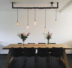 The Lightbar. An elegant, minimalistic and industrial lamp at the same time - Dutch Design Lamp. Great industrial lamp for above the table, kitchen or in the hallway. You will f - Bohemian Living Rooms, Interior Design Living Room, Living Room Designs, Living Room Decor, Bar Lighting, Home Lighting, Edison Lighting, Dining Lighting, Dinner Room