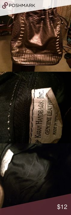 Karan leathers bag Used bag from Karan leathers. Very soft leather. Nice bag needs cleaning Karam leathers Bags Shoulder Bags