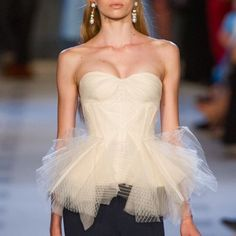 Look Fashion, Runway Fashion, High Fashion, Fashion Beauty, Fashion Show, Luxury Fashion, Fashion Outfits, Womens Fashion, Fashion Design
