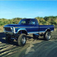 old ford trucks Big Ford Trucks, 1979 Ford Truck, Classic Ford Trucks, Ford 4x4, 4x4 Trucks, Diesel Trucks, Lifted Trucks, Cool Trucks, Chevy Trucks