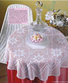 Tela y el gancho de encaje. Mantel de mesa redonda (577x700, 399KB)