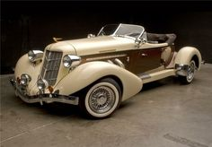1935 Auburn boat tail speedster. What a beauty!