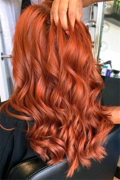 Gorgeous Ginger Copper Hair Colors And Hairstyles You Should Have In Winter; Red Hair Color And Style; Giner And Red Hair Color; Curly Ginger Hair, Ginger Hair Color, Red Hair Color, Warm Red Hair, Brown Blonde Hair, Copper Hair, Hair Highlights, Hair Looks, Dyed Hair