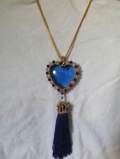 Corazón azul cielo brillante