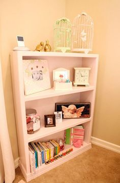 cute pink bookshelf if I ever have a girl...