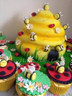 Bee Hive Cake & Cupcakes by Wooden Heart Cakes Bee Birthday Cake, Girl 2nd Birthday, Birthday Candy, Bee Cakes, Cupcake Cakes, Cupcakes, Bee Hive Cake, Ladybird Cake, Animal Cakes