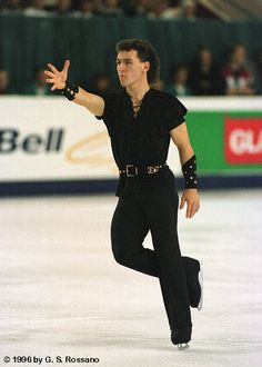 Elvis Stojko Gay